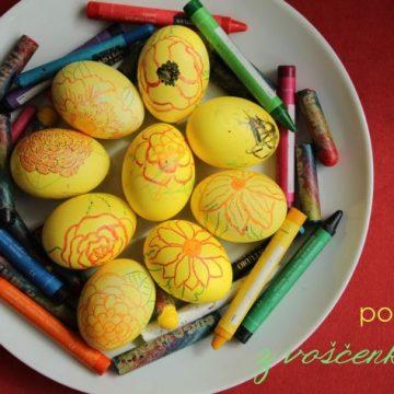 Velikonočno ustvarjanje z malčkom: pirhi porisani z voščenkami
