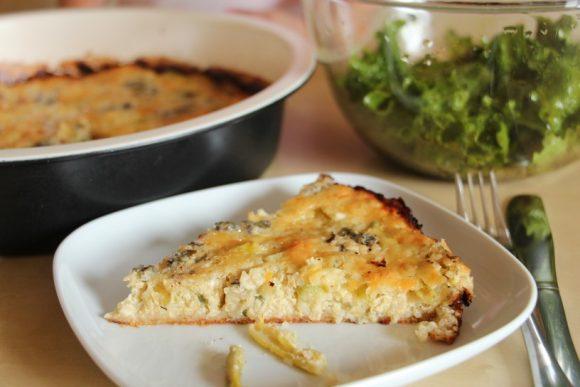 Kvinojina zelenjavna pita s hrustljavo podlago in mehko skorjico