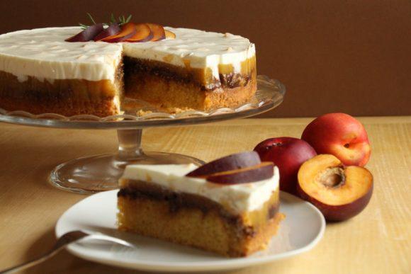 Osvežilna torta z nektarinami