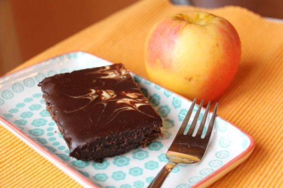 Rožičevo pecivo s črnobelo glazuro brez sladkorja