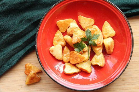 Pečen krompir v obliki srčkov
